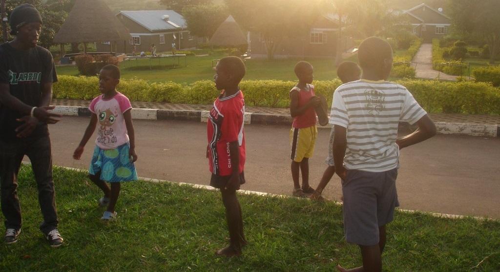 kids_uganda_breakdance_project_uganda_bpu