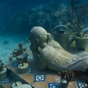 the-gardener-jason-decaires-taylor-sculpture