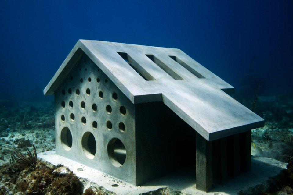 urban-reef-jason-decaires-taylor-sculpture
